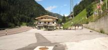 Gasthof/Raststätte mit großem Parkplatz